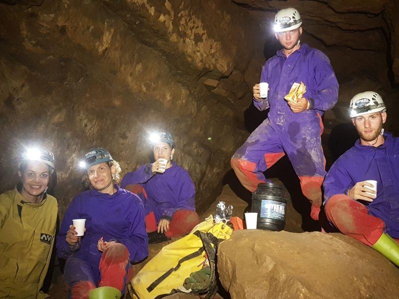 Apéro spéléo - Spéléologie en Ardèche - Grotte de Pézenas
